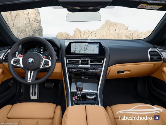 نمای داخلی خودرو BMW M8